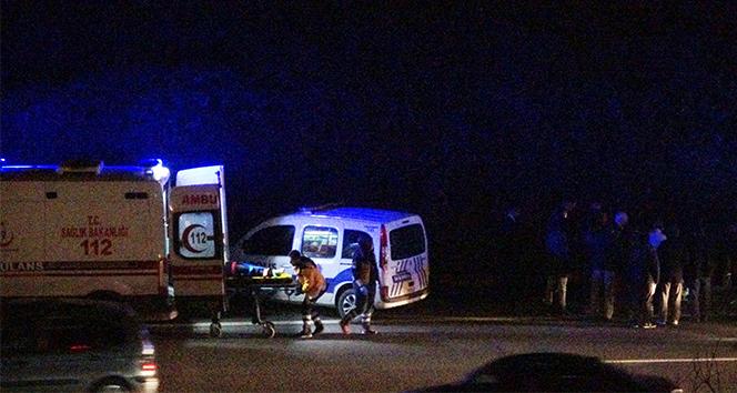 Alkollü sürücü TEM otoyolunu birbirine kattı: 2 yaralı