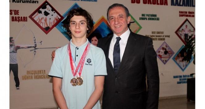 Genç yüzücüden dört Türkiye şampiyonluğu