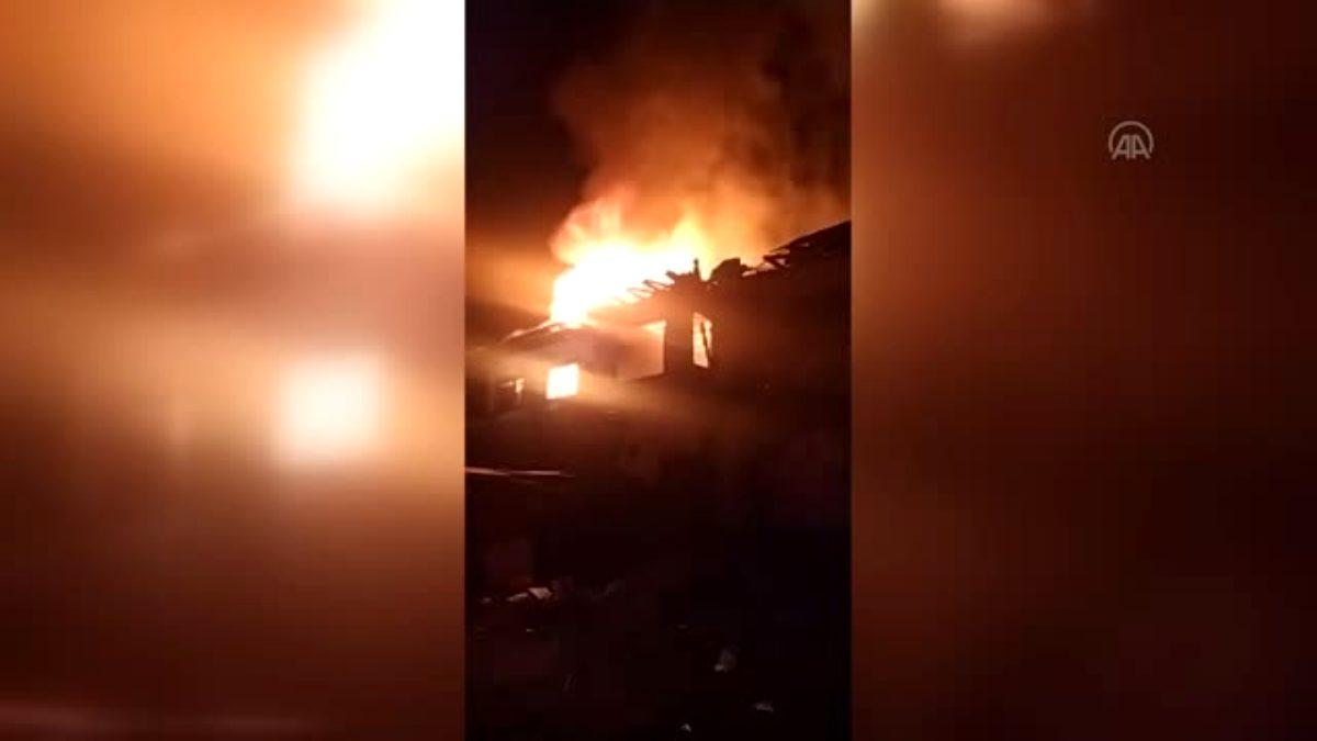 Kahramankazan da yangın çıkan metruk evde hasar oluştu