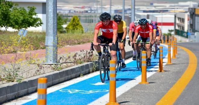 Bisikletçilerden Tam Not Aldı