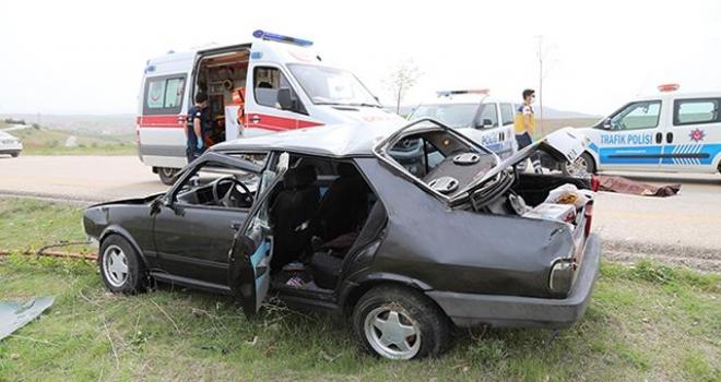 Devrilen aracın sürücüsü hayatını kaybetti