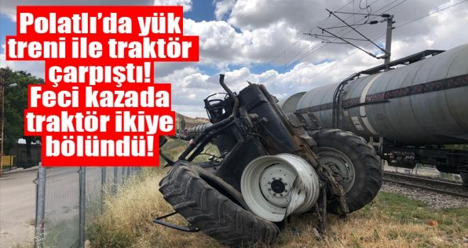 Polatlı'da feci kaza: yük treninin çarptığı traktör ikiye ayrıldı!