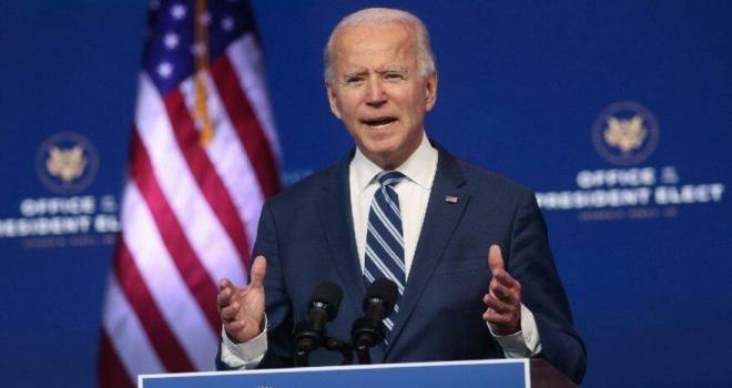 Joe Biden, başkanlık kararnamelerini imzaladı