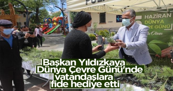 Başkan Yıldızkaya Dünya Çevre Günü'nde vatandaşlara fide hediye etti