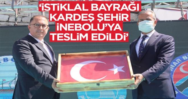İstiklal Bayrağı kardeş şehir İnebolu'ya teslim edildi