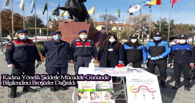 Polatlı'da Kadına Şiddetle Mücadele Gününde Broşür Dağıtıldı