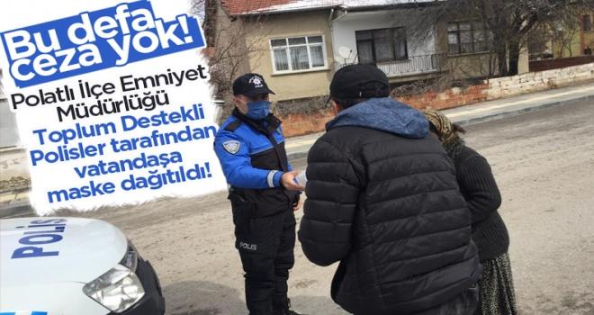 Polatlı'da polis vatandaşa maske dağıttı!