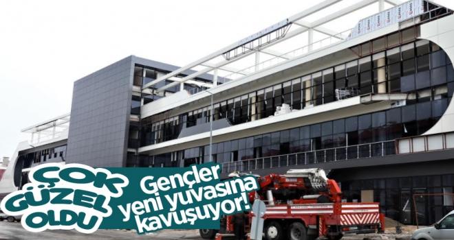 Polatlı Belediyesi Gençlik Merkezi bu hızla 19 Mayıs'a hazır