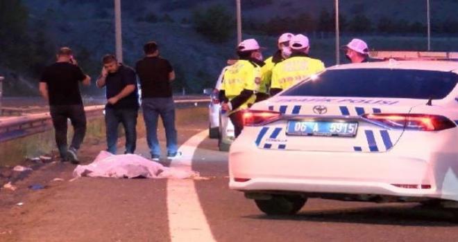 Devrilen motosikletteki 2 kişi hayatını kaybetti