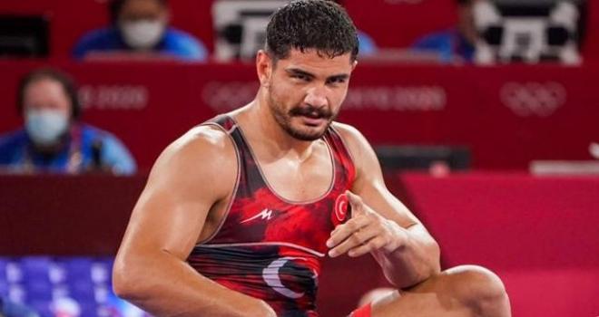 Milli güreşçi Taha Akgül yurda döndü